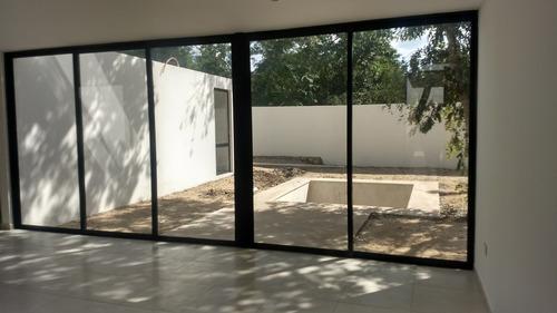 hermosa casa en venta en privada  guayacan conkal