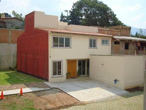 hermosa casa en venta en san nicolas totolapan