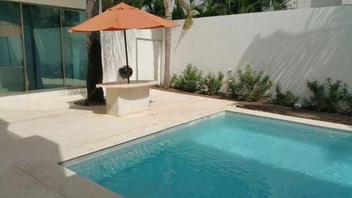 hermosa casa en venta en sm16 cancun