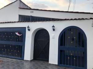 hermosa casa en venta en villa de las fuentes panama