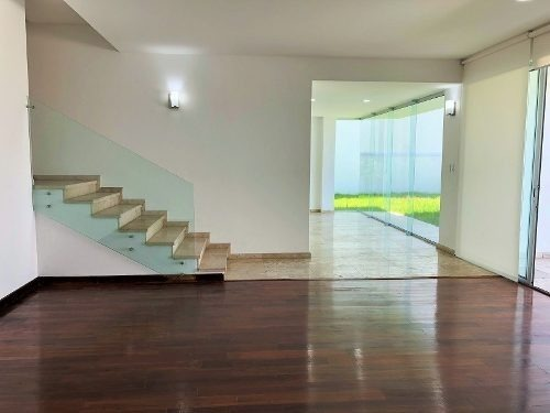 hermosa casa en venta en villa magna. negociable.