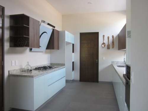 hermosa casa en venta | excelentes acabados | fracc. altozano, querétaro