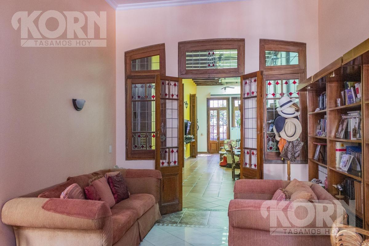 hermosa casa en venta sobre lote propio  en flores norte