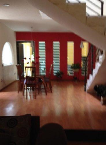 hermosa casa en venta ubicada en el pueblito !!