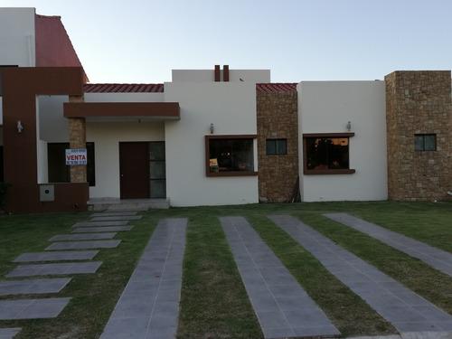 hermosa casa en ventaa estrenar!!!!