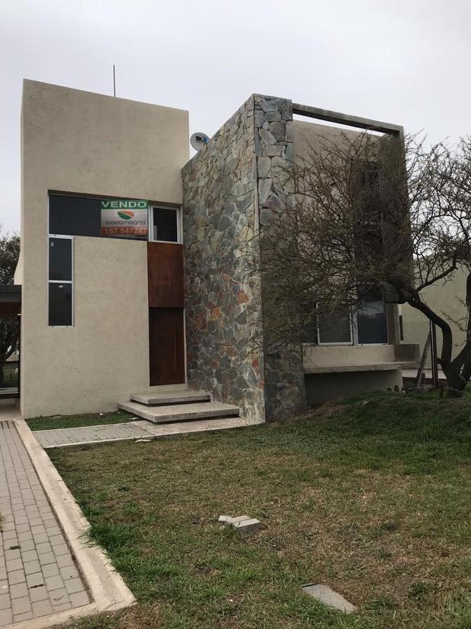 hermosa casa en villa catalina
