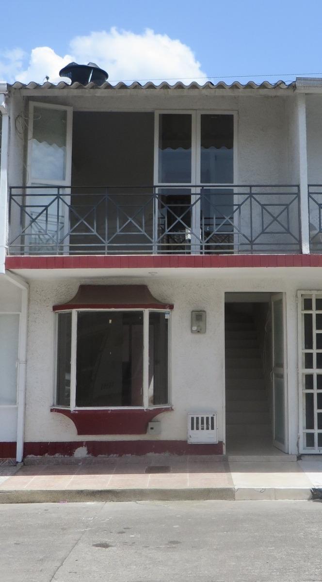 hermosa casa en villavicencio