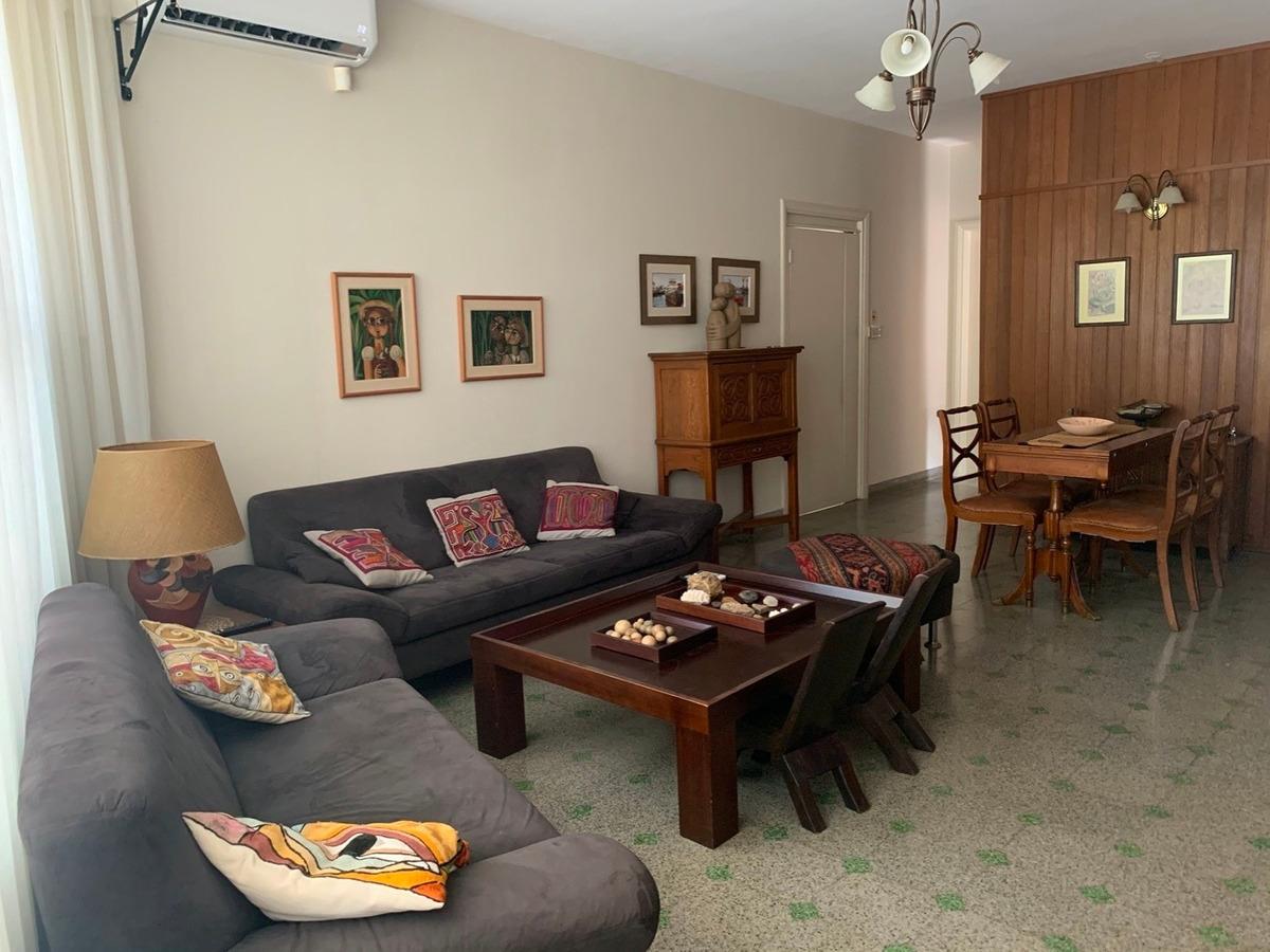 hermosa casa, espaciosa y luminosa en excelente ubicación