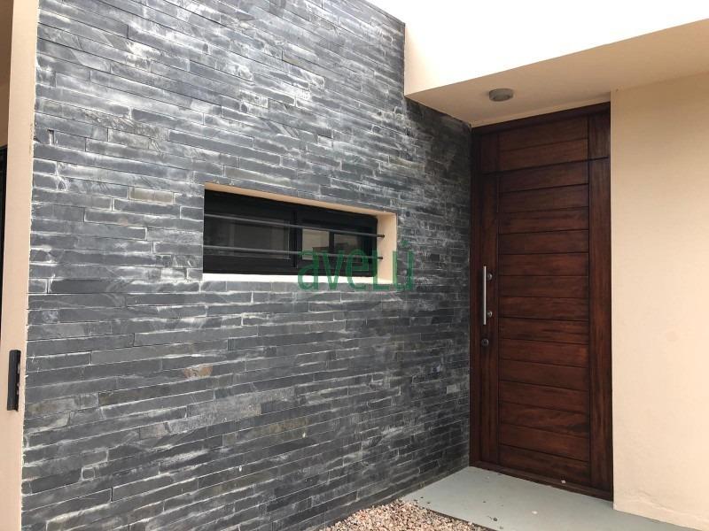 hermosa casa estilo minimalista , en pda 35 de pinares.- ref: 1252