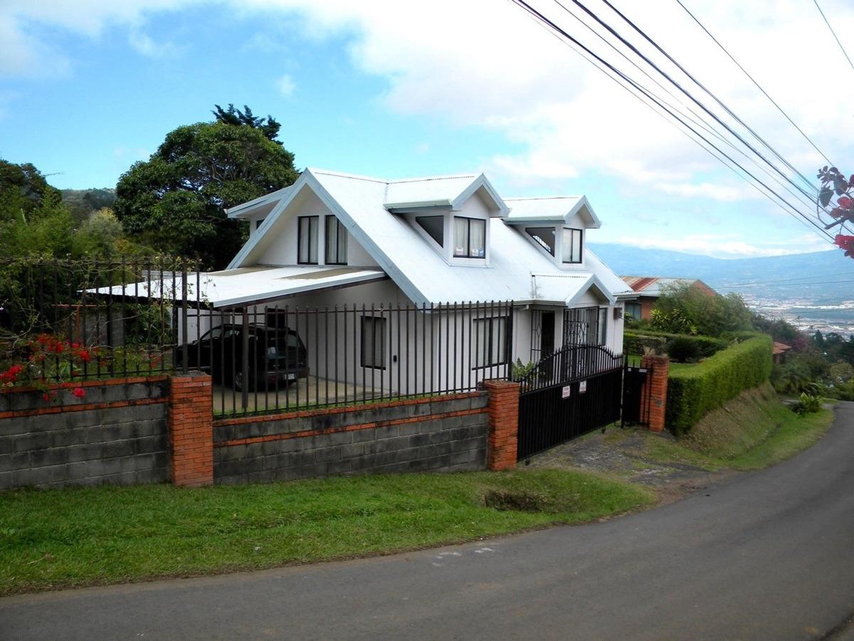 hermosa casa estilo victoriana en escazú