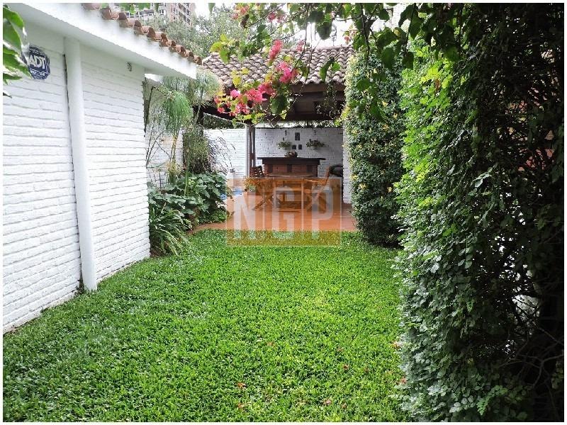 hermosa casa  , ideal para vivir todo el año , zona paradas , punta del este.- -ref:21584