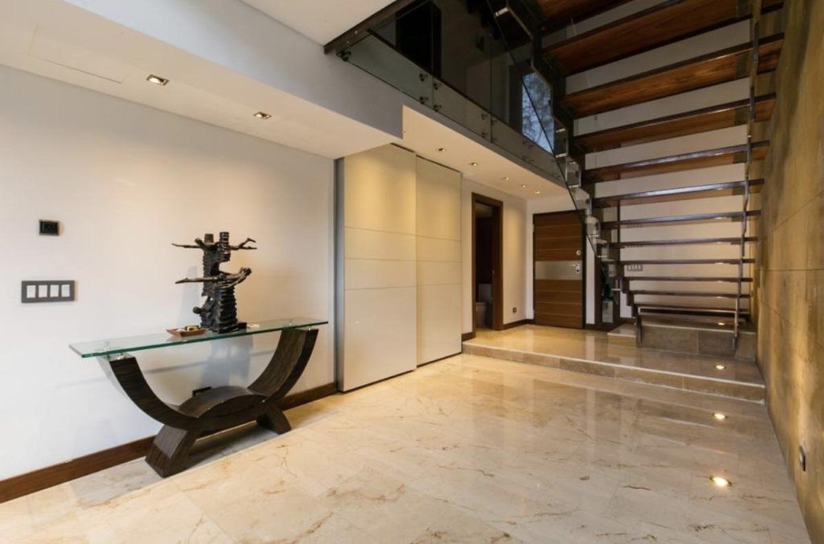 hermosa casa mansión customizada en las palmas 450m2