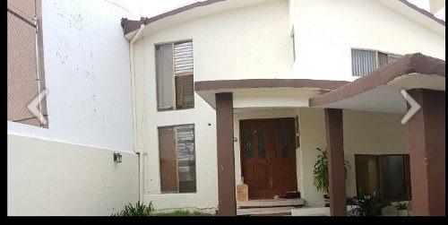 hermosa casa muy cerca del centro en villas del sur queretaro