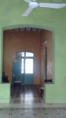 hermosa casa muy cerca del parque de santa ana