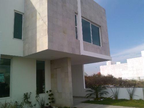 hermosa casa nueva en venta en el fracc. el mirador qro. mex.