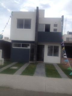 hermosa casa nueva en venta  en el pueblito qro. mex.