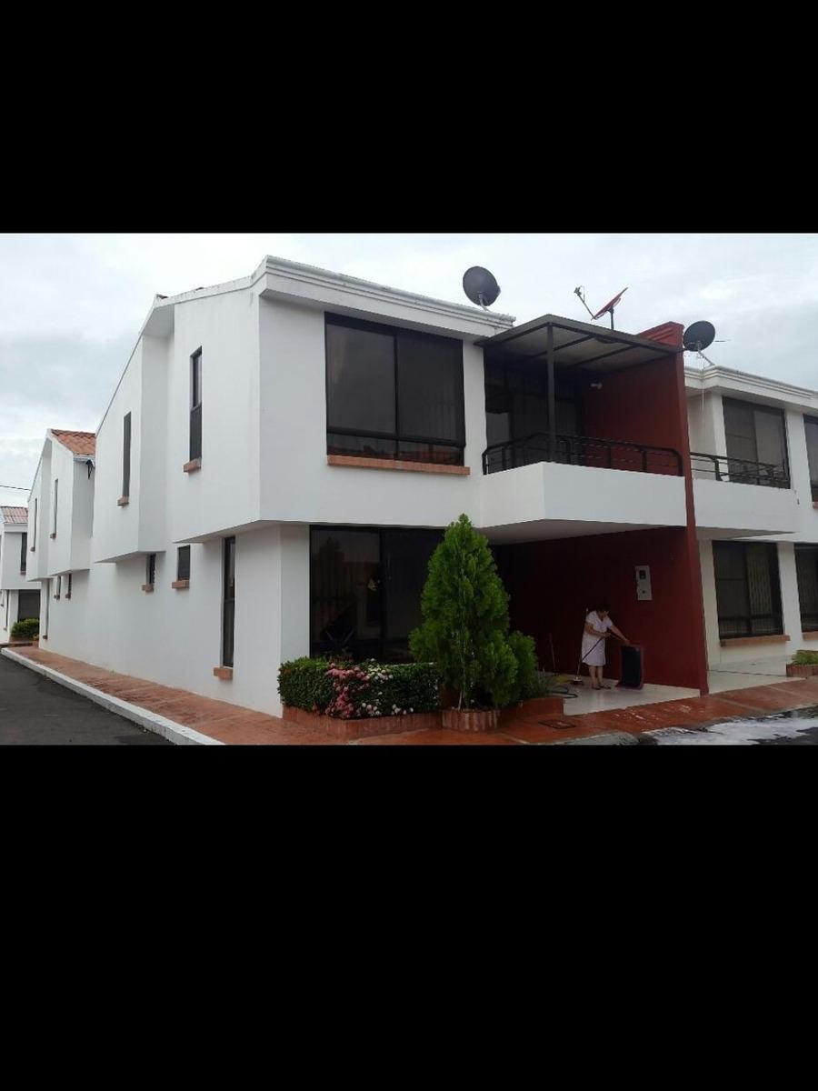 hermosa casa ricaurte cundinamarca