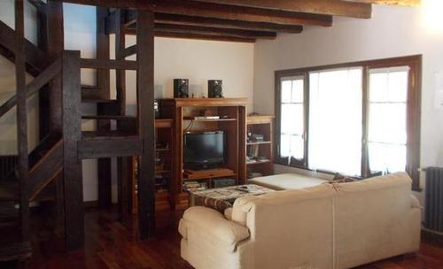 hermosa casa sobre rauch a 1 cuadra de santa rosa castelar norte
