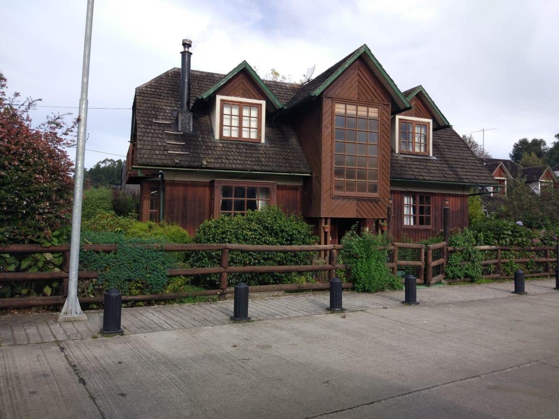 hermosa casa teatro del lago en frutillar