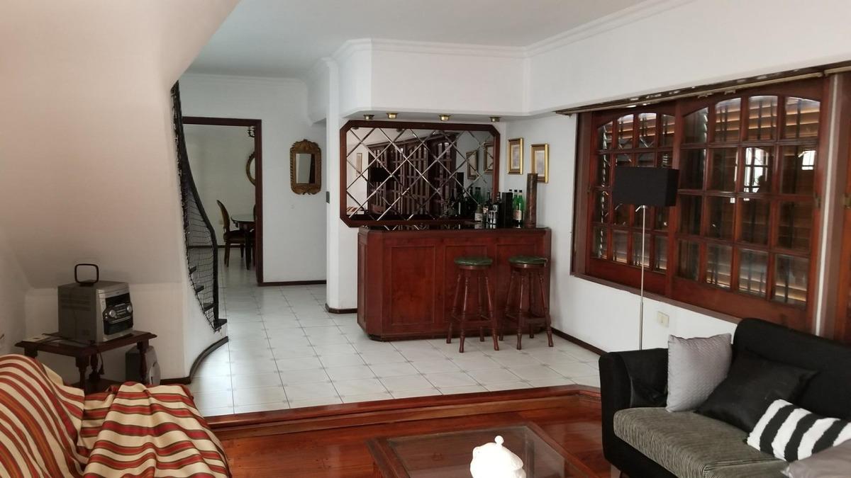 hermosa casa. toma propiedad en parte de pago caba