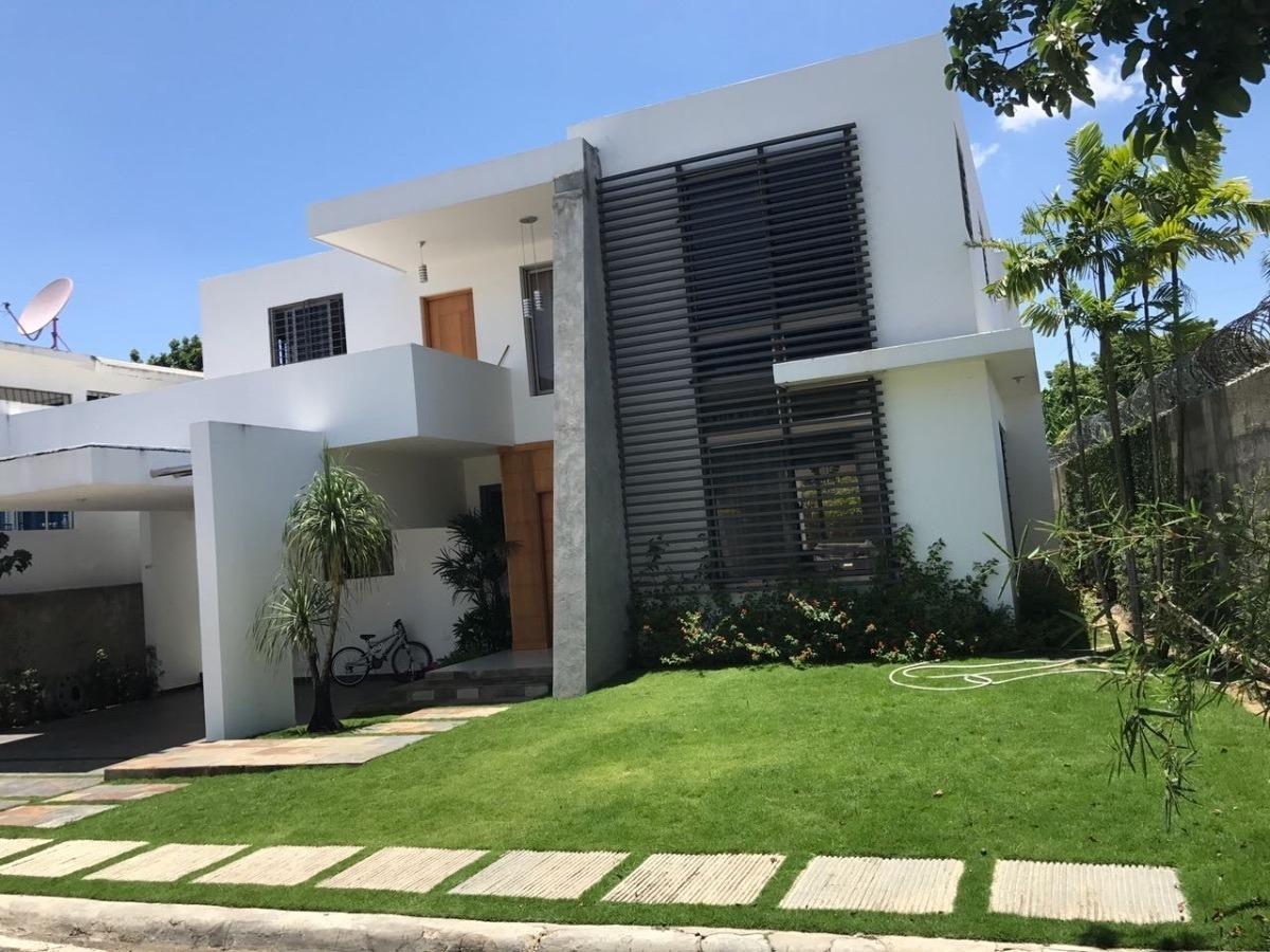 hermosa casa ubicada en las carmelitas santiago