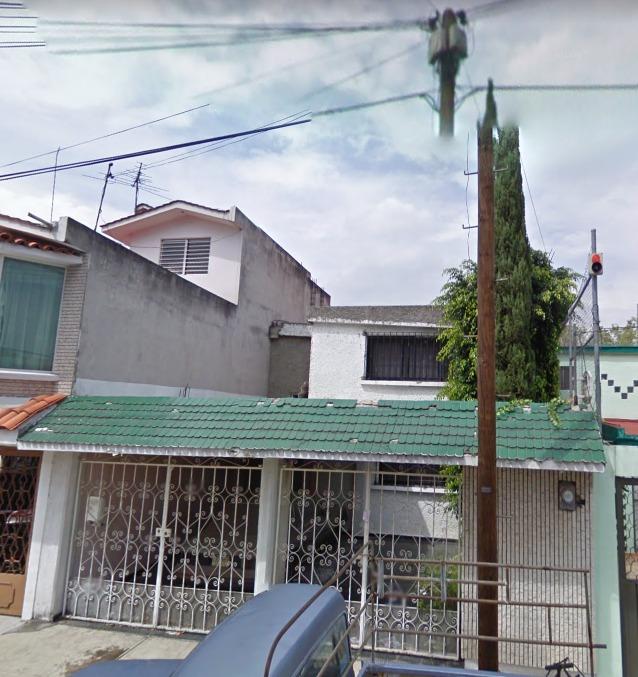 hermosa casa vía remate bancario en tlanepantla de baz.