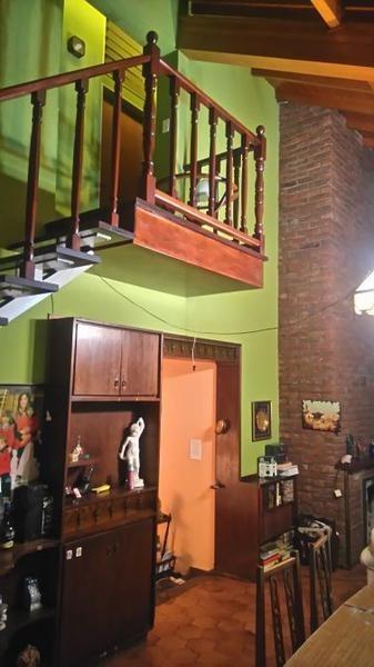 hermosa casaquinta 6 ambientes en barrio el trebol