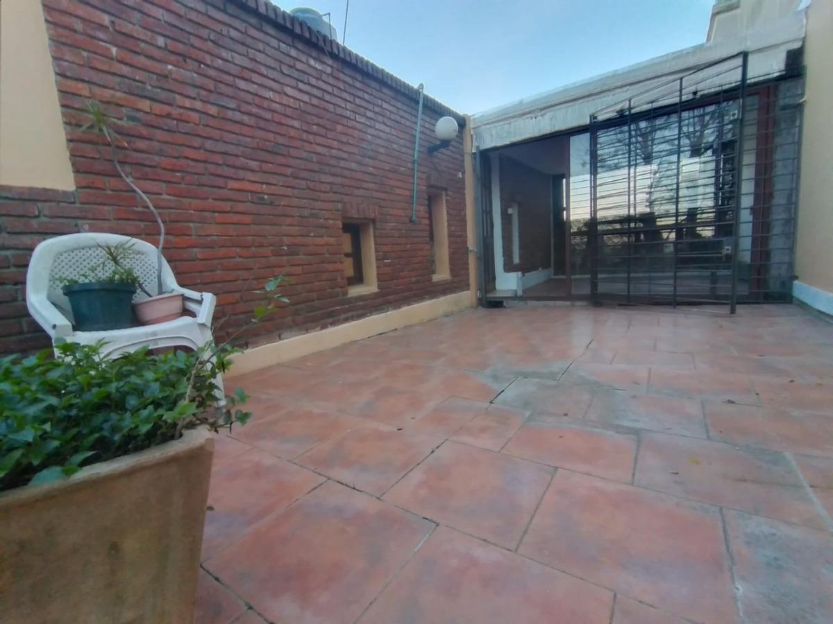 hermosa casita /patio con parrillero/2dorm/jardin