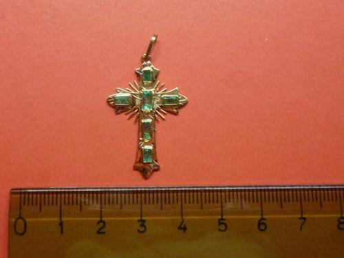 hermosa  cruz mediana  en oro 18k con 6 esmeraldas