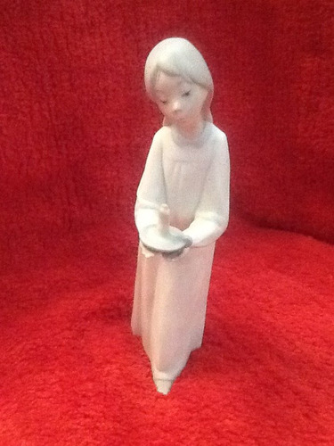 hermosa figura de porcelana,   impecable