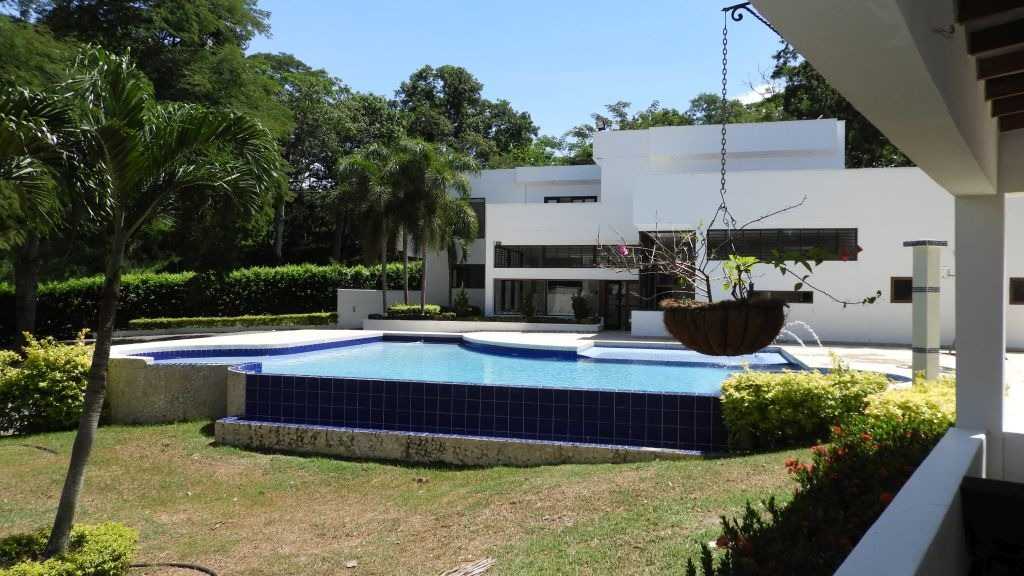 hermosa finca totalmente privada