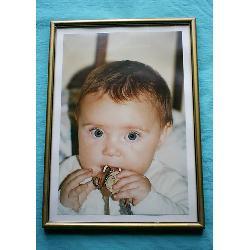 hermosa fotografía de bebe enmarcada