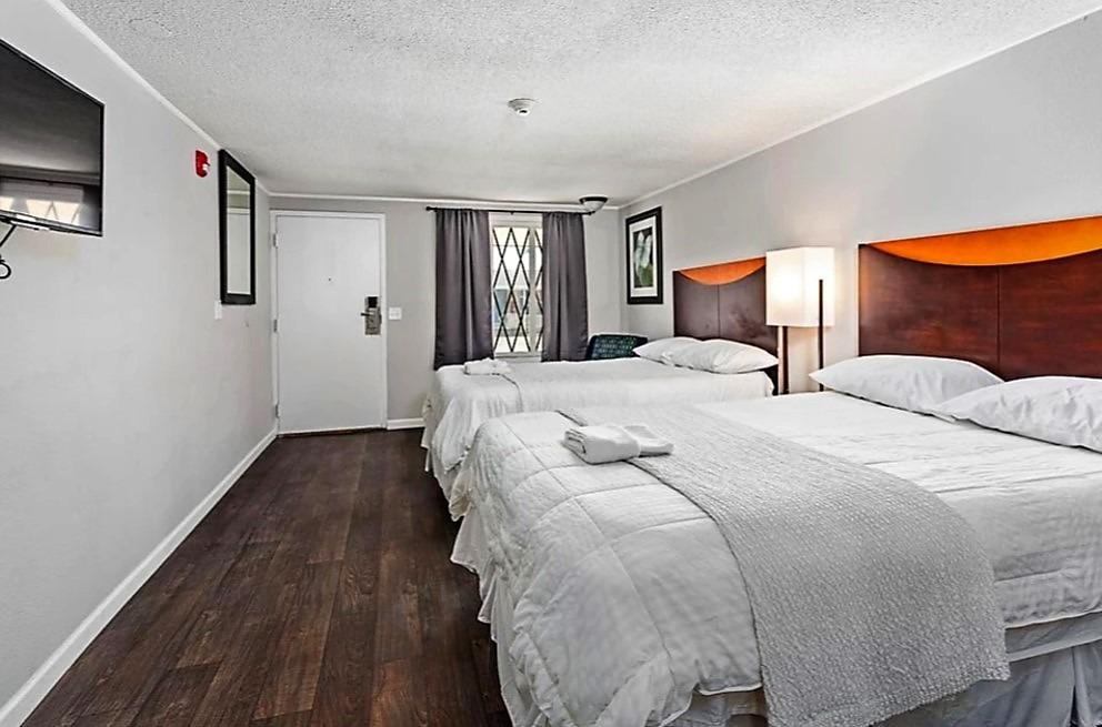 hermosa habitación de hotel con renta en brunswick, eeuu