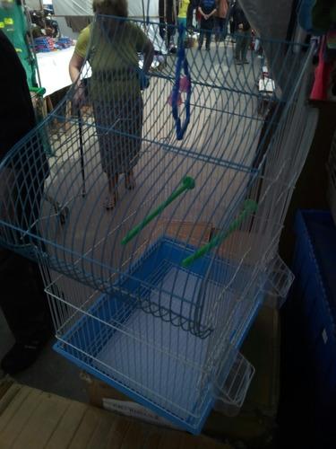 hermosa jaula para aves pagoda con accesorios.