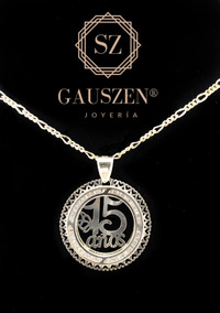 c722e6562ce8 Hermosa Medalla 15 Años Oro 10k Y Cadena De Regalo Dije