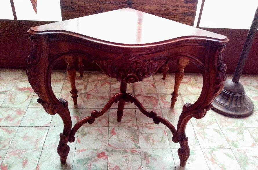Hermosa mesa antigua de esquina 25 en mercado libre for Mesas para esquinas