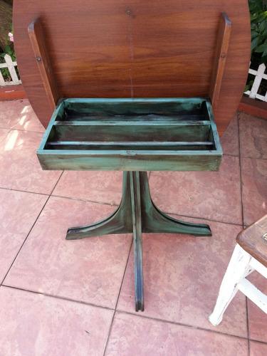 hermosa mesa de living original la tapa se levanta.