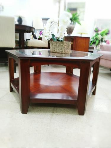 hermosa mesa hexagonal de madera
