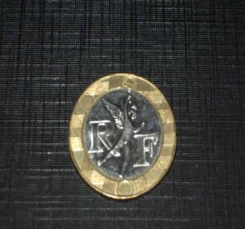 hermosa  moneda bimetálica de francia..