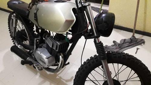 hermosa moto scrambler suzuki ax100 2t