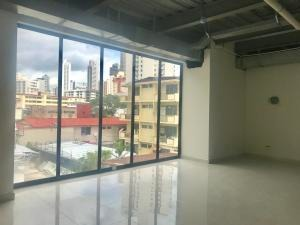 hermosa oficina en alquiler en plaza carcepe via españa