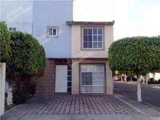 hermosa propiedad en venta por remate qro. qro.
