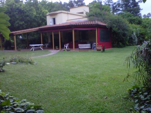 hermosa quinta en calle principal la reja