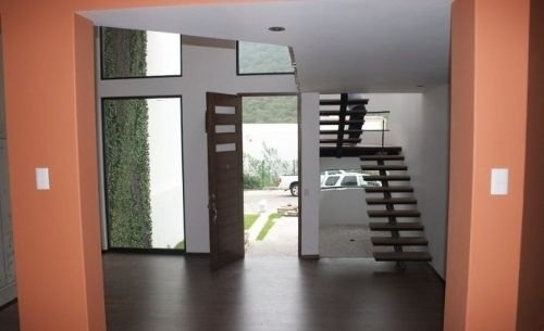 hermosa residencia! c=345m2, t=325m2, 4recs, jardín, 5baños,