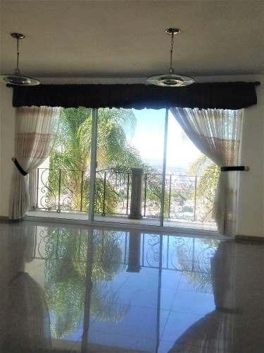 hermosa residencia con alberca en venta ubicada en loma dorada !!