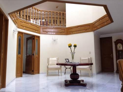hermosa residencia con ubicación de excelencia, grandes espa