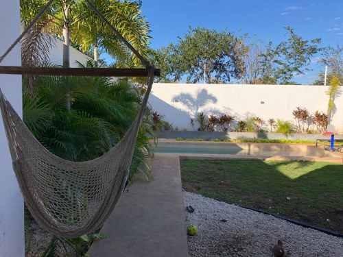 hermosa residencia de lujo y equipada en la privada arborea en venta en merida.