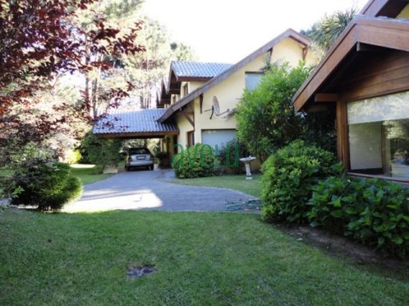 hermosa residencia en parque burnett ,con más de 6600 mts.  de jardín y 500 mts2 construidos . consulte venta!!- ref: 794