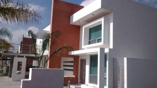 hermosa residencia en venta en porta nova, en excelente ubic