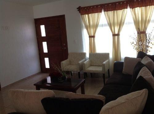hermosa residencia espaciosa 3 baños 3 recamaras con closet,